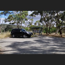 Parking for lots of Vehicles at Blue Gum Lookout