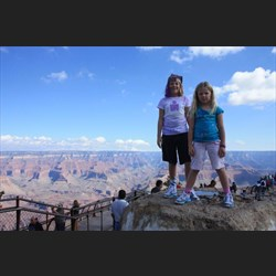 Leah and Chardae at Grand canyon